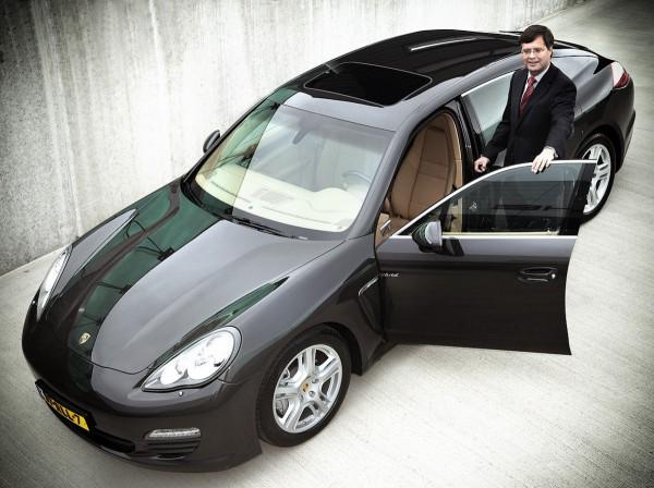 Hr. JP Balkenende voor Carros